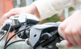 自転車のライトのおすすめ16選【2021】防水やUSB充電など便利な機能も豊富