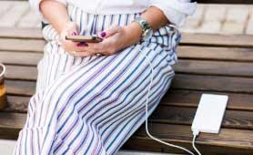 女性におすすめのかわいいモバイルバッテリー13選【2020】持ち歩くのが楽しくなる1台