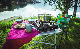 アウトドアテーブルのおすすめ14選 セットや折りたたみなどを紹介
