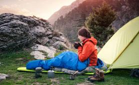 寝袋(シュラフ)のおすすめ7選 選び方や寒い時期も活躍するアイテムなどを紹介