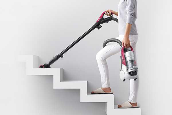 掃除機選びのポイント 軽量モデルなら持ち運びラクラク