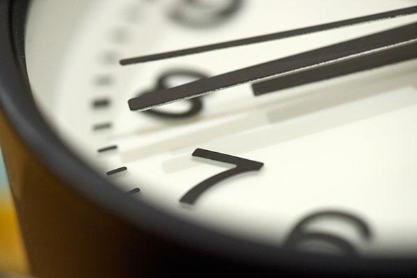 おしゃれな掛け時計の選び方 連続秒針なら音が静か