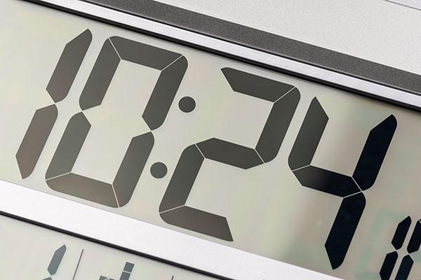 おしゃれな掛け時計の選び方 アナログ・デジタルの表示形式で選ぶ