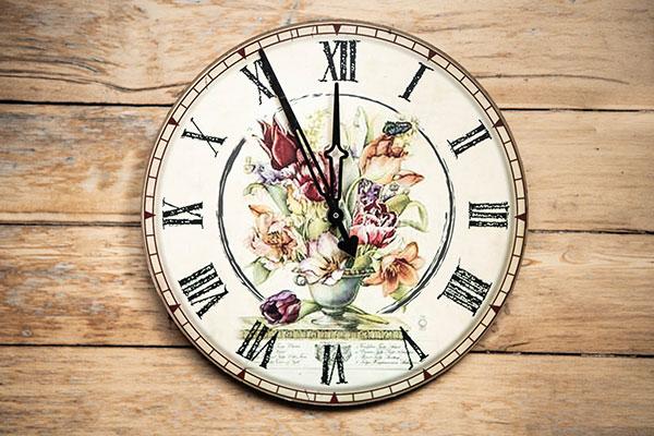 おしゃれな掛け時計の選び方 テイストに合ったデザインで選ぶ