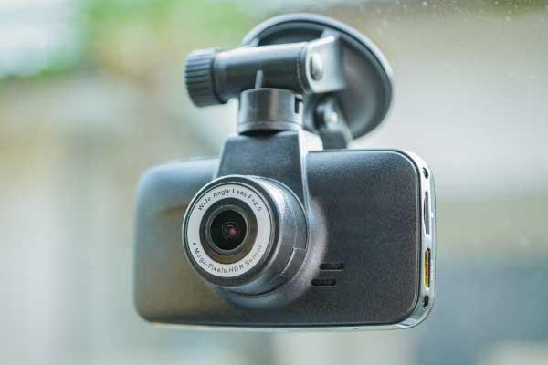 ドライブレコーダーの選び方 カメラの種類から選ぶ 一体型