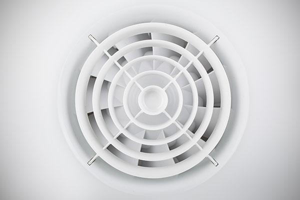 冷凍庫の選び方 冷却方式 庫内をムラなく冷やすファン式