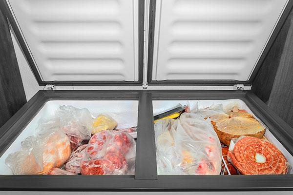 冷凍庫の選び方 ドアの向き 大きな食材を入れやすい「上開き(チェストタイプ)」