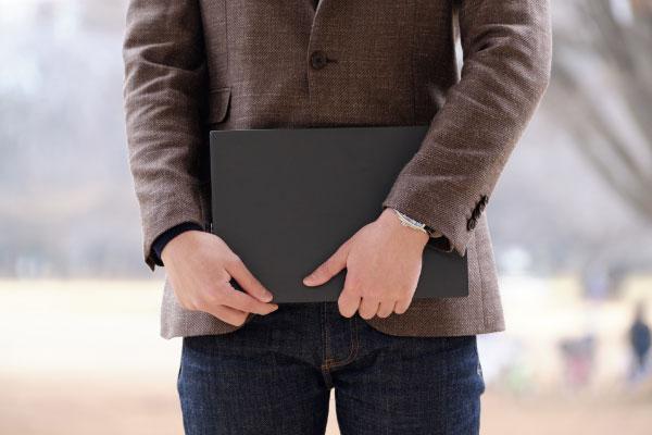 モバイルノートパソコンの選び方 本体の重さ