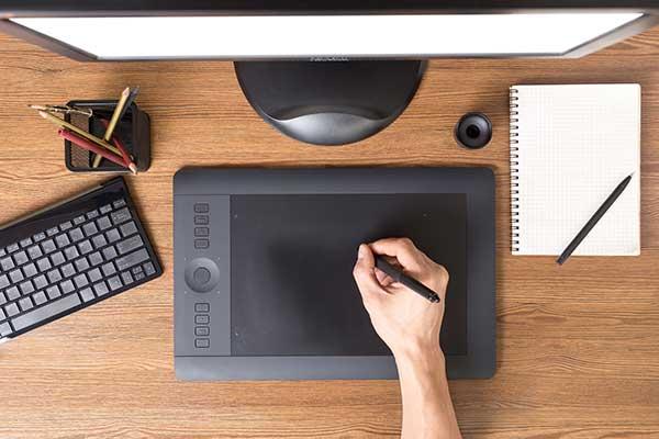 ペンタブレットの選び方 板タブは読み取り可能範囲で選ぶ