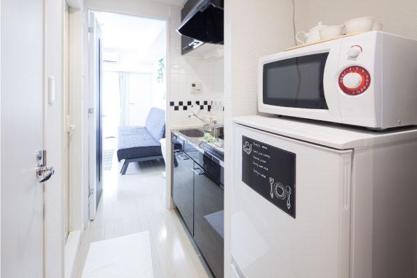 一人暮らしの冷蔵庫を選ぶときのポイント 一人暮らしにうれしい機能 電子レンジがのせられる耐熱天板